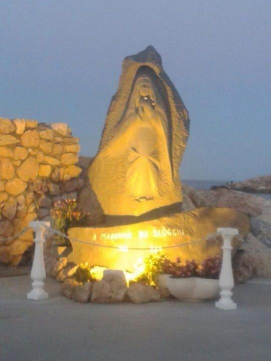 Processione in mare e celebrazione per Madonnina du Scoggiü